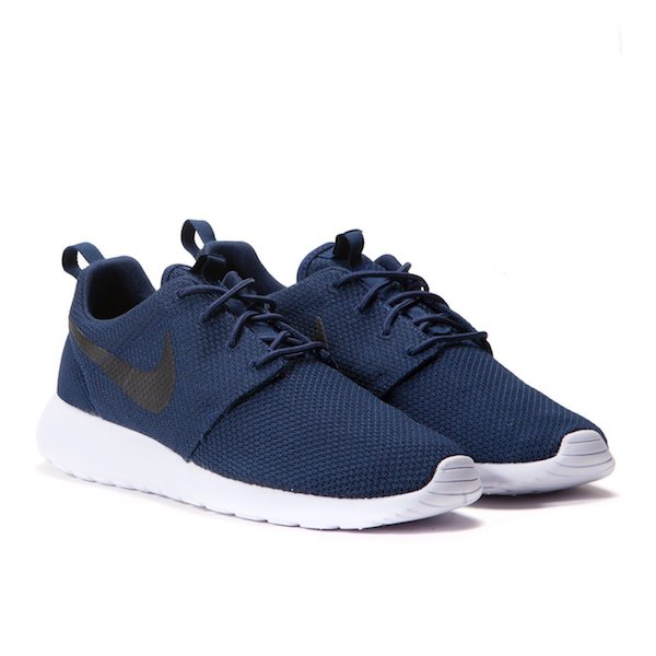 nike-roshe-one-midnight-navy-2