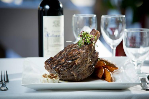 T Fusion is a Kosher Steakhouse fine dining meat restaurant in Brooklyn.